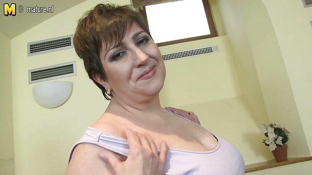 Morena pega na os melhores filmes pornos brasileiro pila de um polícia na bochecha por excesso de velocidade.